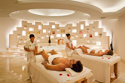 Romance Spa Suite with Jacuzzi and Couple's Massage